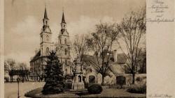 Brzeg: kościół katolicki i kolumna św. Trójcy