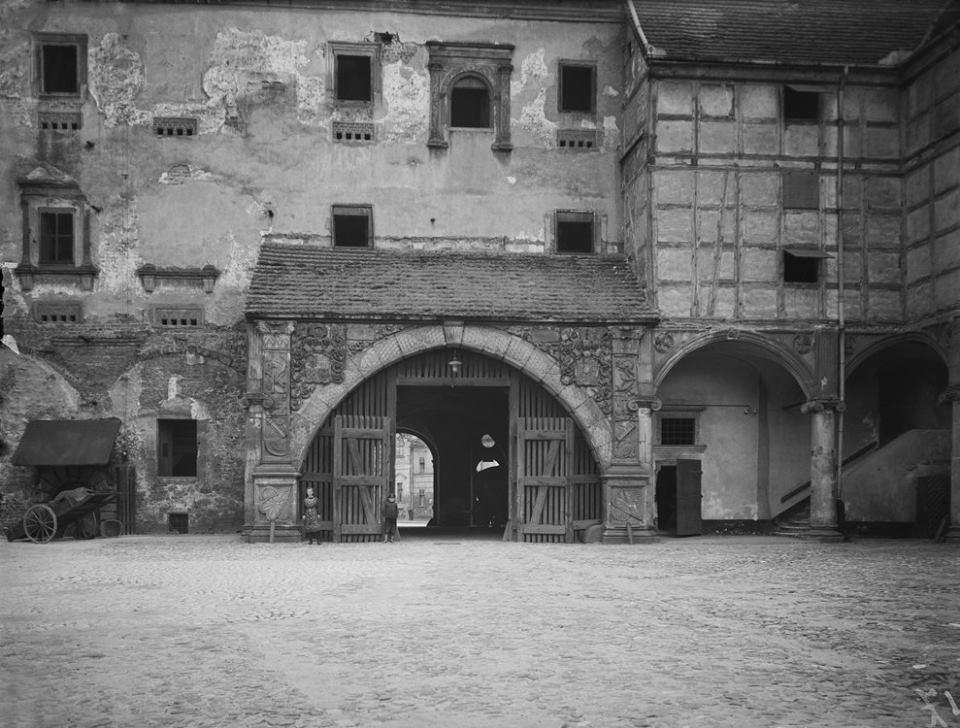 zamek-marek-p-zdjecie